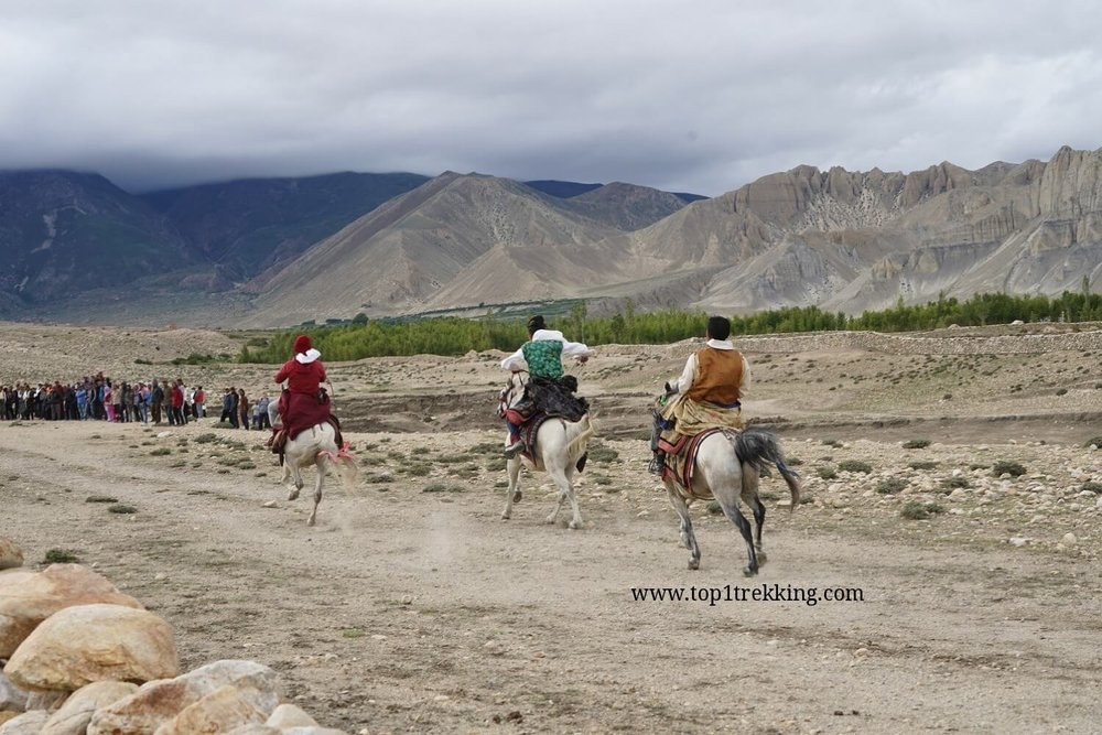 Horse racing in Tsarang, former capital of Mustang