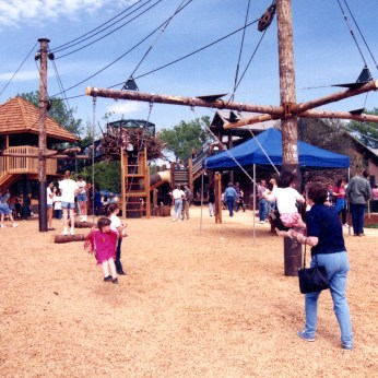 The original playground and the water area on opening day – before the shade canopy.