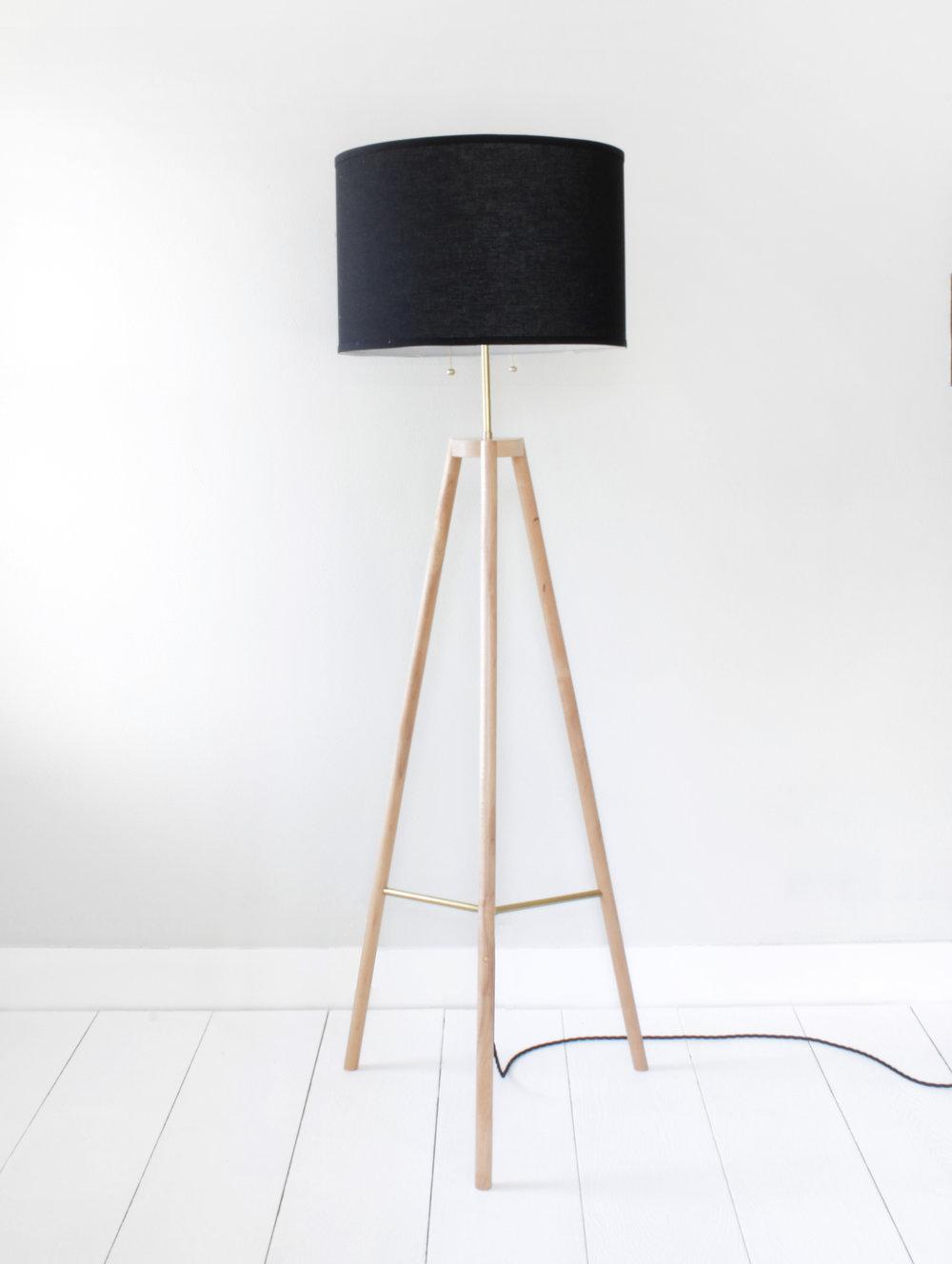 tripod lamp-388.jpg