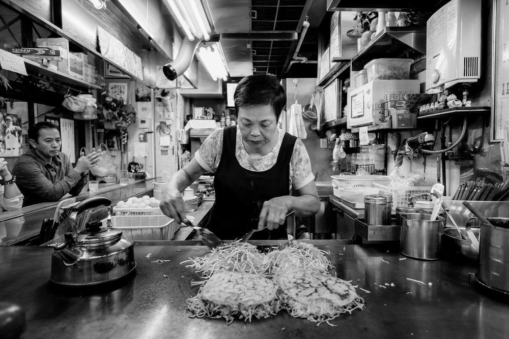 okinomiyaki lady