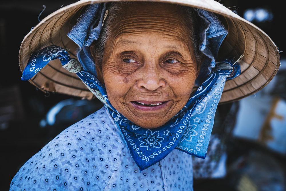 Vietnam-happy-woman