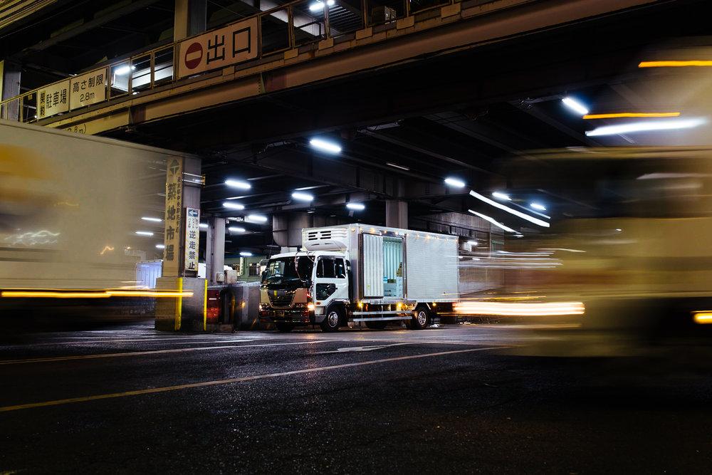 Tokyo-tsukiji-entrance
