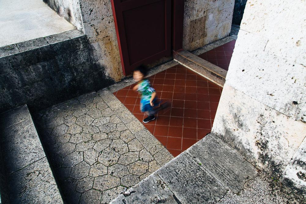kid-running-castle.jpg