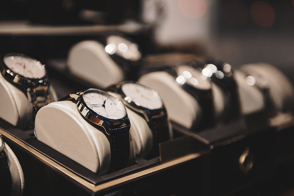 Avoid stock-outs - ... with real-time inventory updates for all your components and ready-made watches. Set safety stock levels to ensure availability and avoid tying up cash with excess inventory.