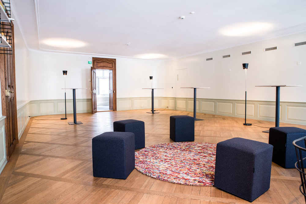 Der Raum - Unsere Räume an der Gerechtigkeitsgasse 7 in Bern sind für Design Thinking Workshops und Trainings ausgelegt und komplett mit allem Verbrauchsmaterial ausgerüstet. Denkbar steigert die Kreativität und fördert neue Ideen!