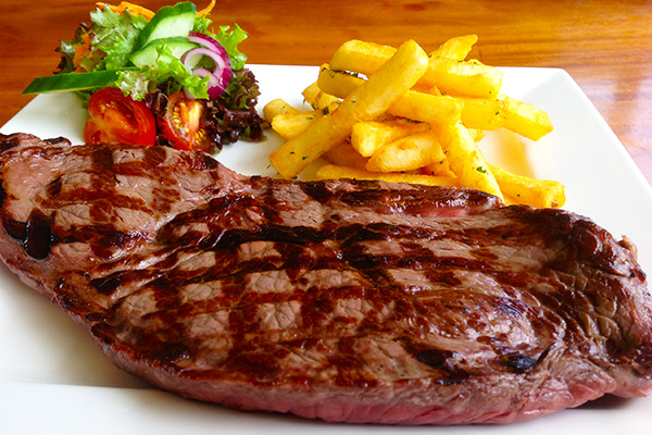 Steak-Chips-and-Salad.jpg