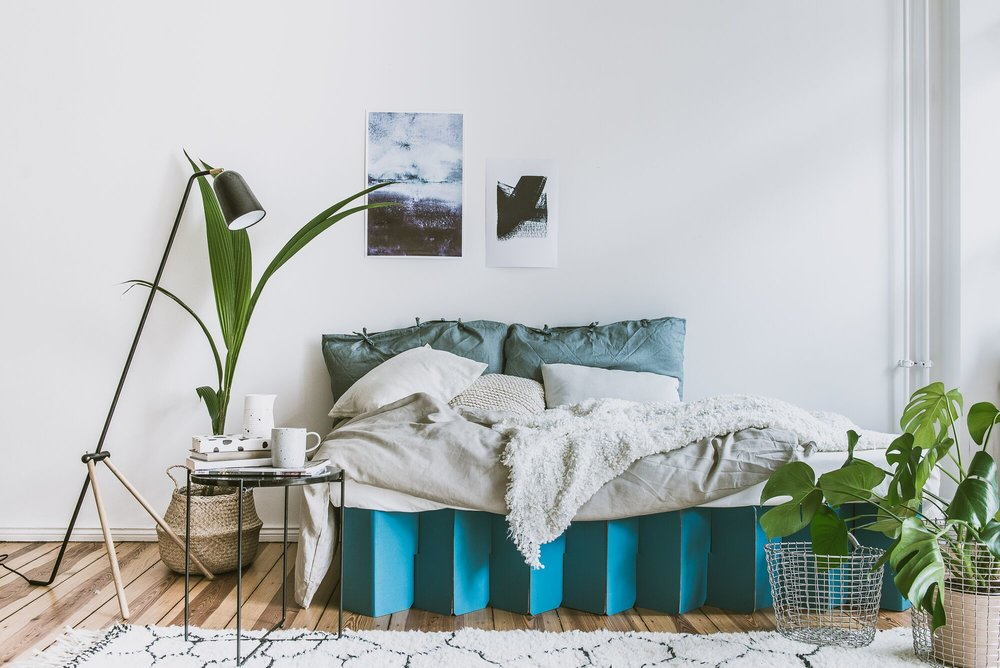 Cardboard bed in Petrol blue...love this one!