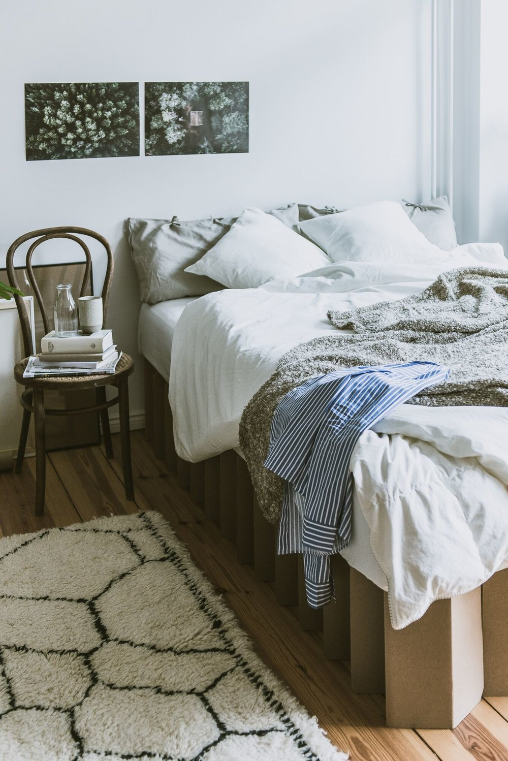 Classic Cardboard bed for a scandinavian styled bedroom