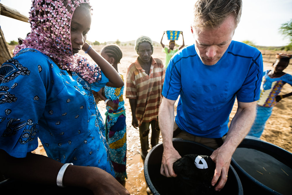 We stopped at a well on the side of the road to take some photos and explore rural life in Senegal. The well brought men, women, children and animals together in the early morning before the heat built up.
