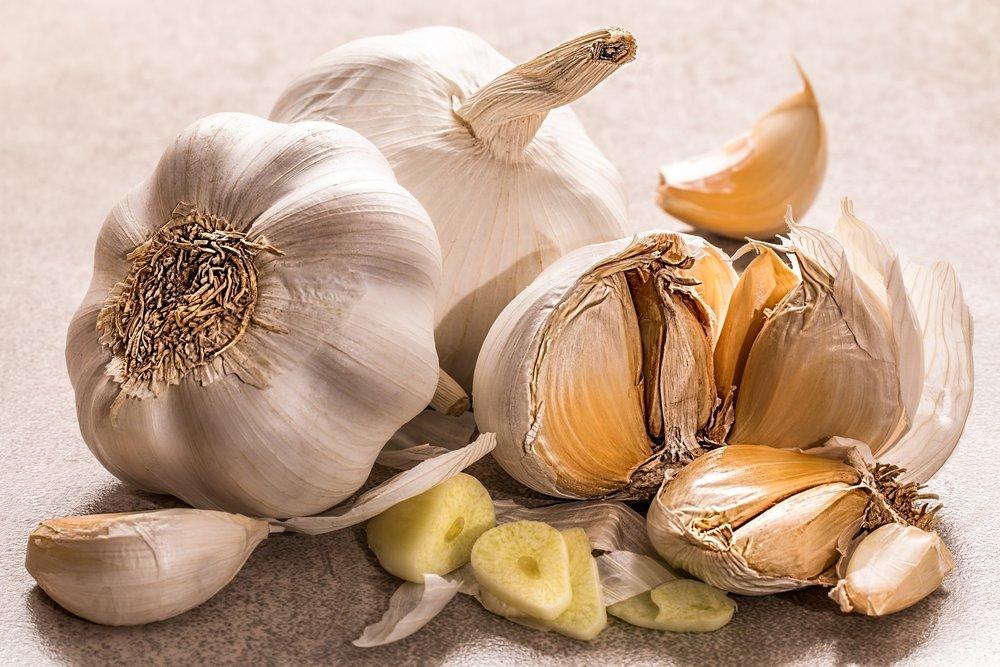 garlic-3419544_1920.jpg