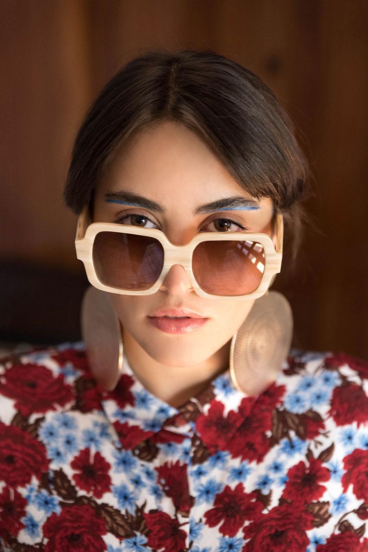 darkside-eyewear-Maria-hydra-pale-3.jpg