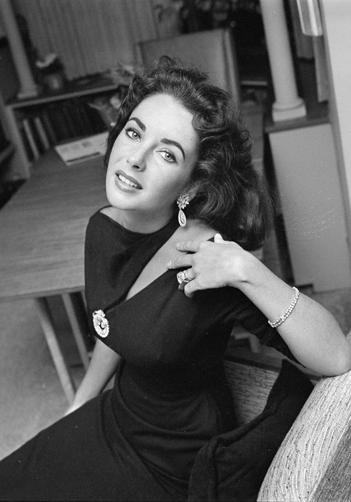 darkside-eyewear-gift-guide-elizabeth-taylor-vintage.jpg