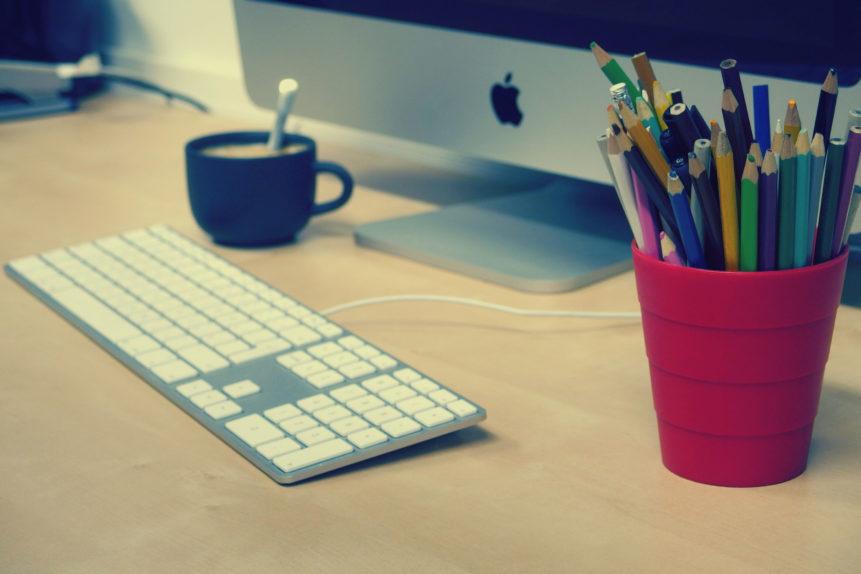 Office With iMac (1).jpg