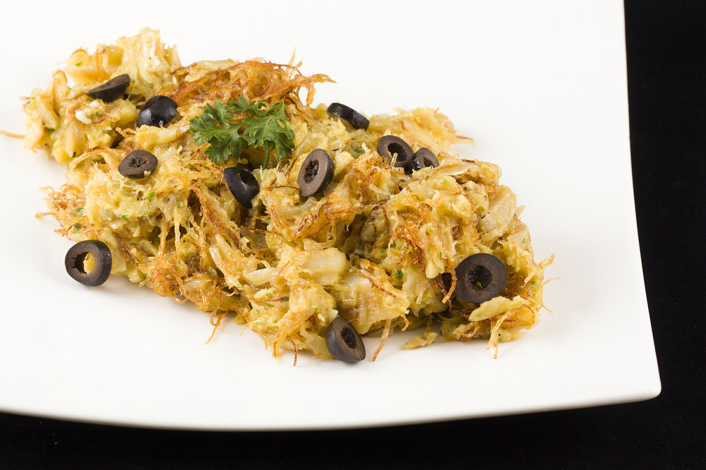 """""""Brás"""" Portuguese Style Shredded Dried Codfish with Allumette Potatoes mixed with Egg. 薯絲馬介休炒蛋."""