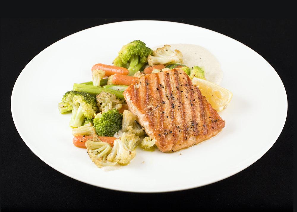 Grilled Salmon Steak with Sautéed Vegetables. 燒三文魚伴炒雜菜.