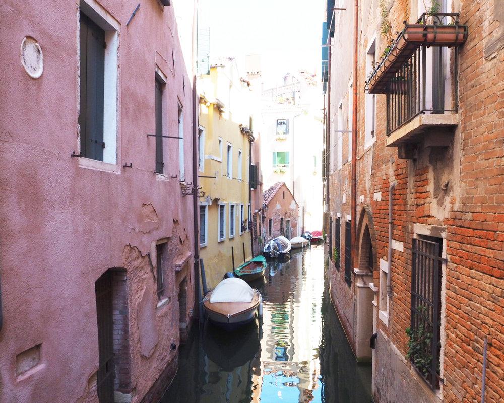 Sandinmyshoes en Venice 3.jpg