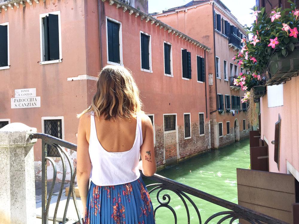 Sandinmyshoes en Venice 6.jpg