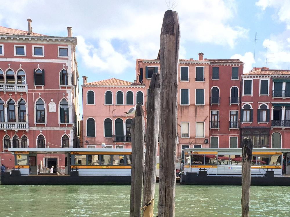 Sandinmyshoes en Venice 7.jpg