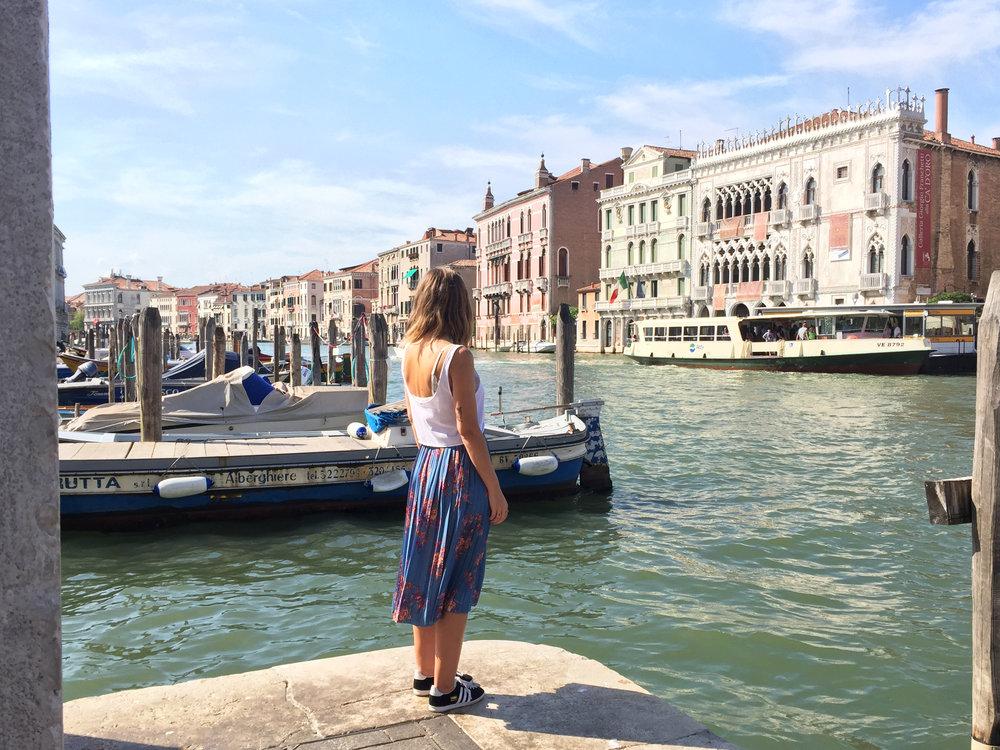 Sandinmyshoes en Venice 5.jpg