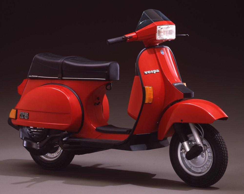 1985 Vespa PX T5.jpg