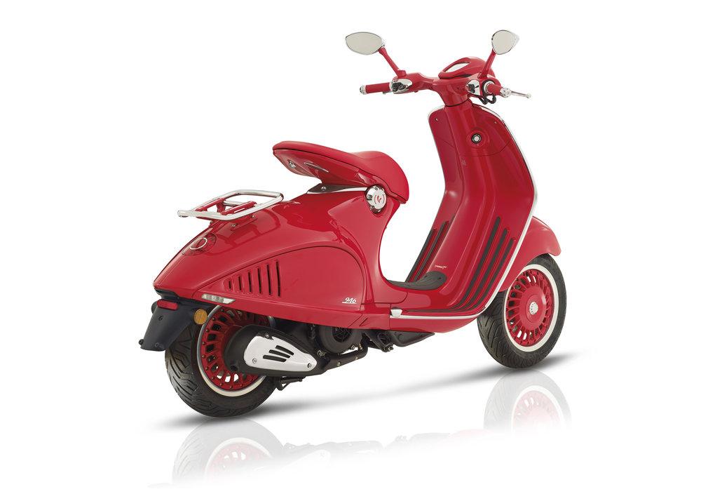(Vespa 946) RED  (19).JPG