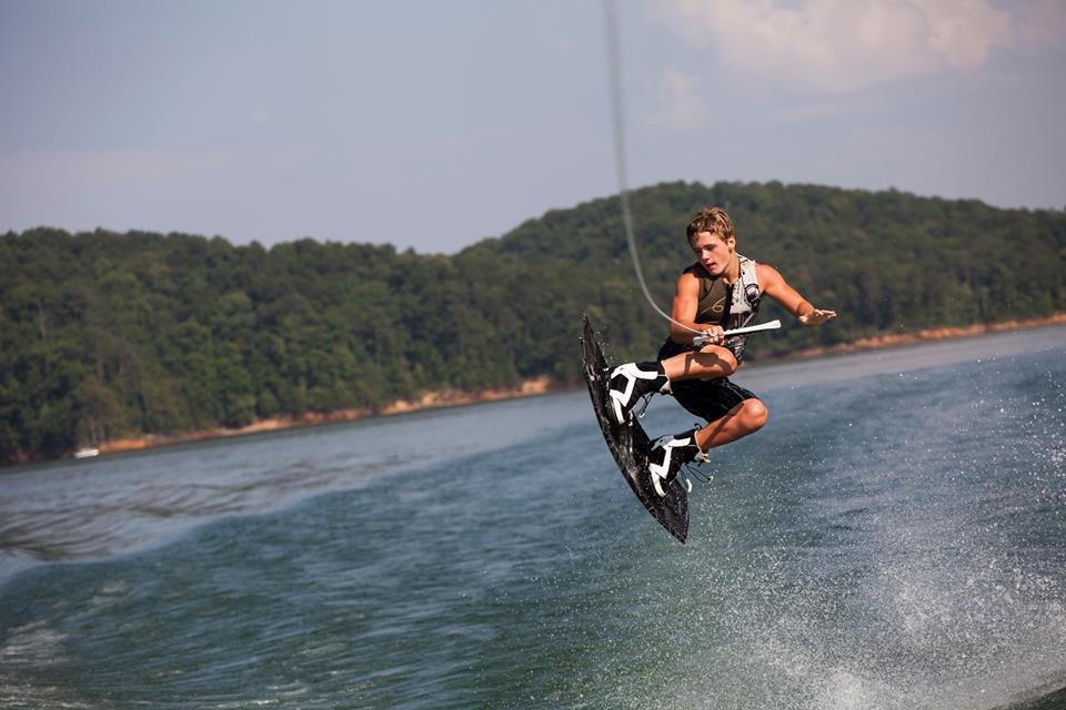 Wakeboarding & Waterskiing -