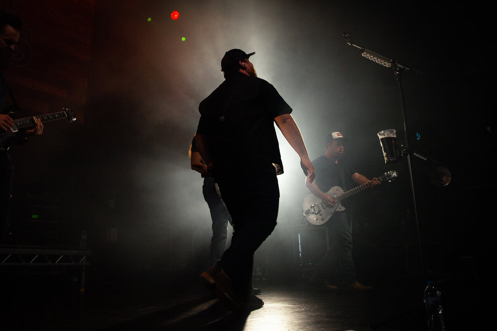 A SOLD OUT TOUR ACROSS EUROPE WITH RISING SUPERSTAR LUKE COMBS - Luke Combs European tour