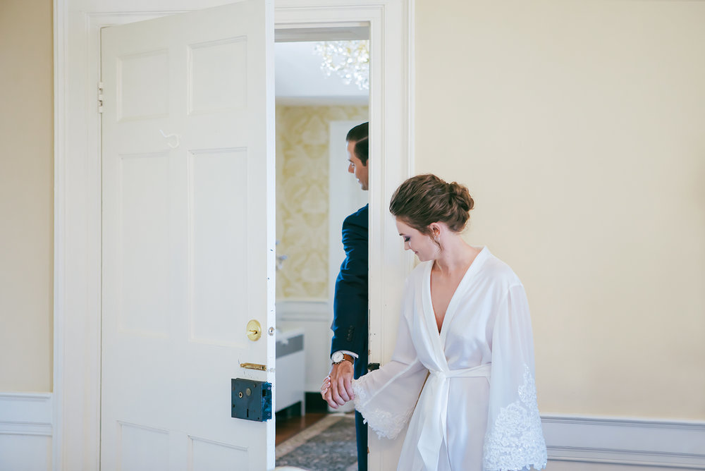 Bride and groom secret first look, wedding morning