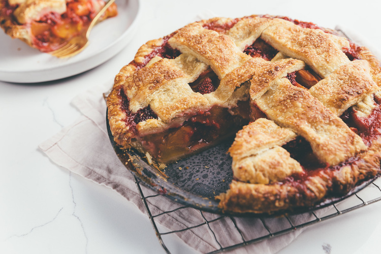 Classic Peach Raspberry Pie