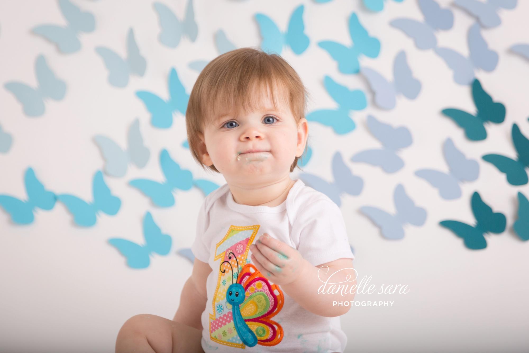 babygirlbluecakesmash