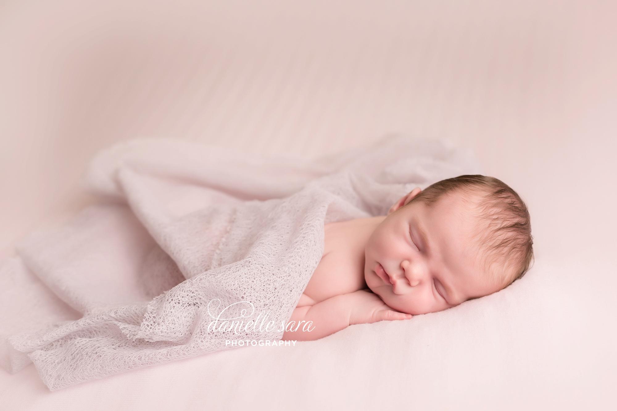 newbornphotographerbethesdamaryland_0005