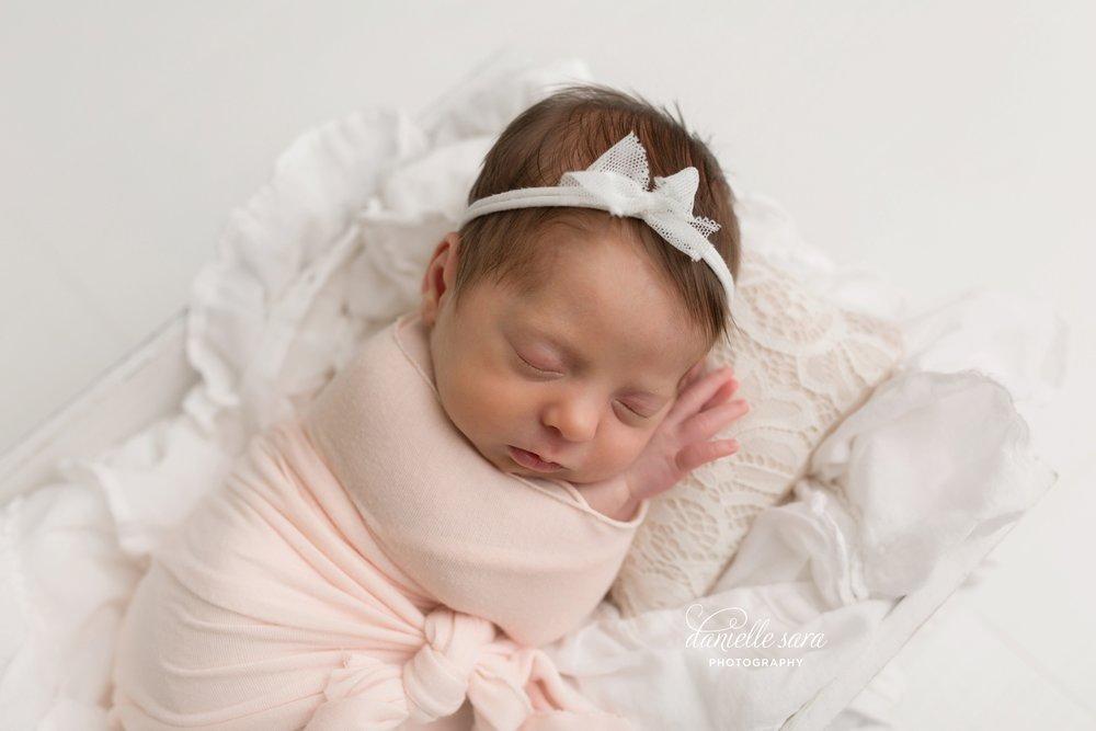 newbornphotographymaryland_0011.jpg