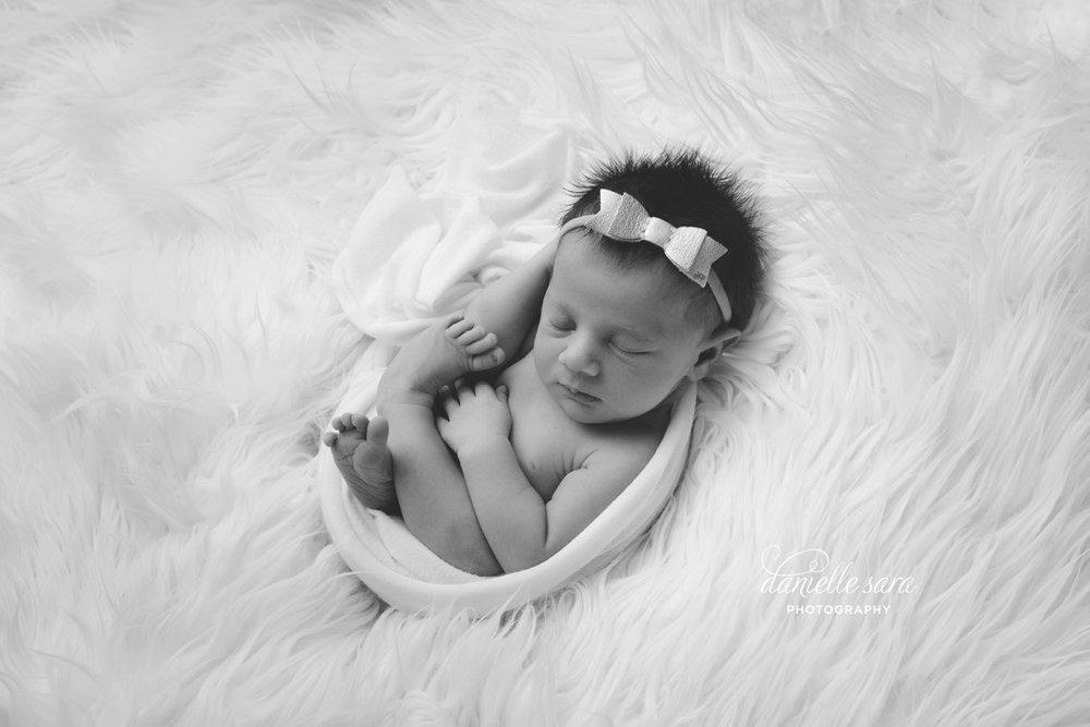 newbornphotographermaryland_0003.jpg