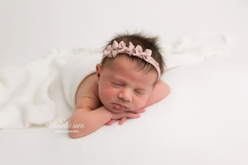 newbornphotographermaryland_0005.jpg
