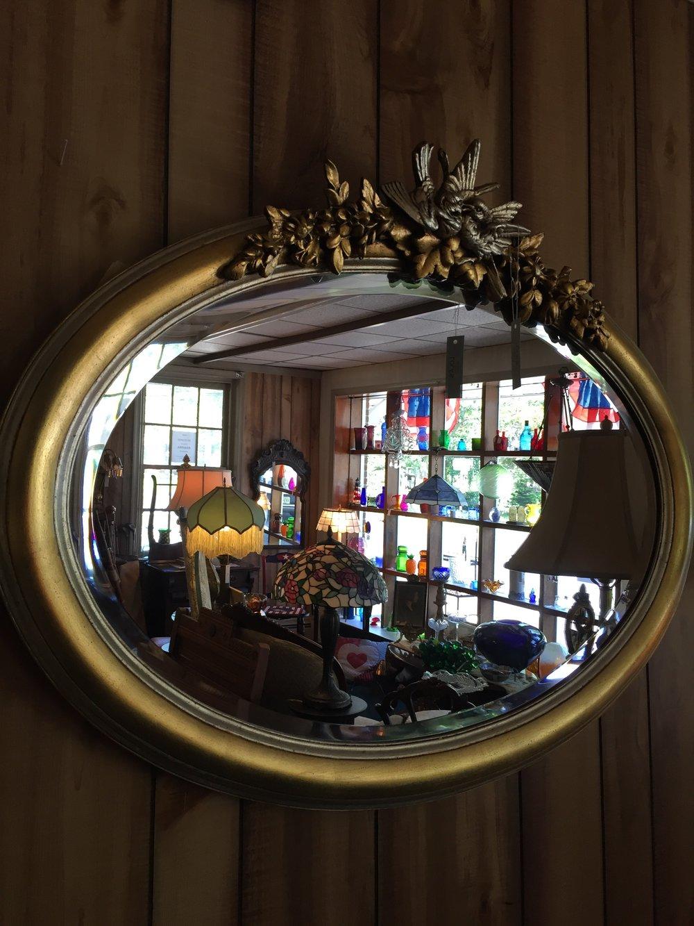 Gilded Oval Beveled Vintage-Design Mirror