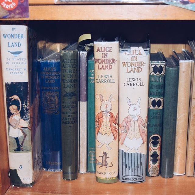 Our latest blog on the magic of children's literature in England is up at www.insearchofbeauty.net/how-to-live/england  We researched bookstores, secret gardens, and country estates to bring you the best guide possible! #england #london #aliceinwonderland #peterpan #paddington #secretgarden #sherlockholmes #harrypotter #winniethepooh #narnia #peterrabbit