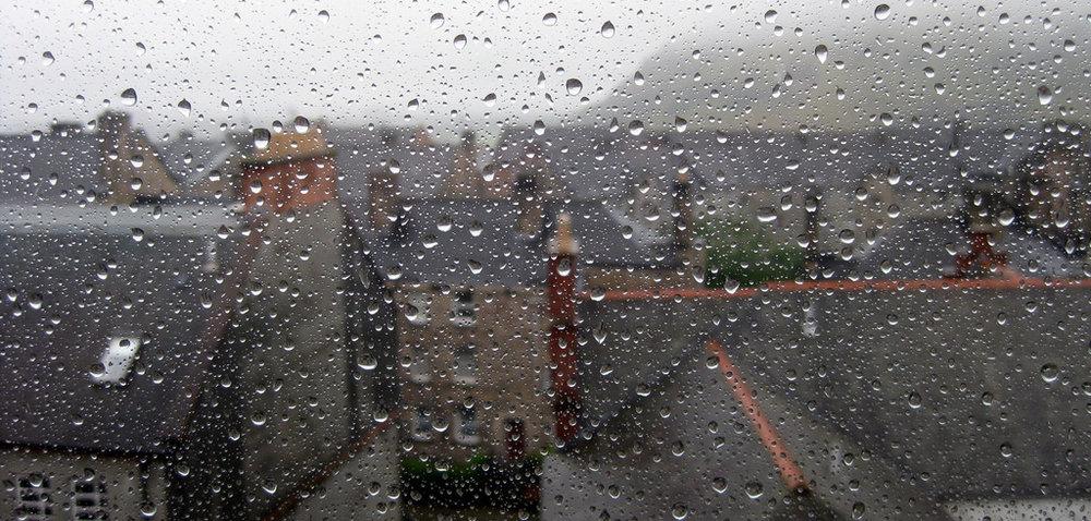 edinburgh rain.jpg