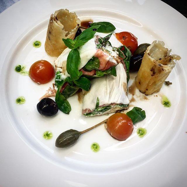 Stracciatella kind of feeling 👌#stracciatella #deliciousfood #chef Heitor de Melo #otravessa #otravessakitchen #restauranteporto #portorestaurant #restaurantefoz #restaurantefozvelha