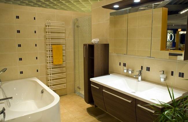 bathroom01-5c234c4973.jpg