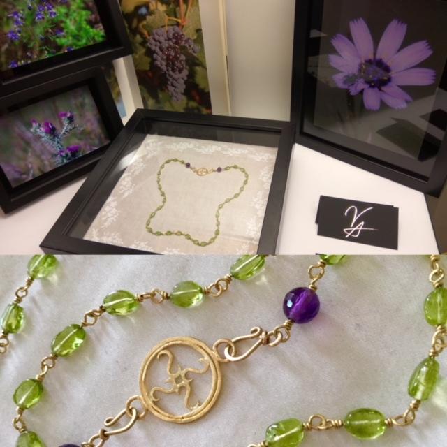 El color violeta y verde que se puede encontrar en el paisaje burgalés, como en los silenciosos páramos o en los dulces racimos de uvas de los viñedos de la Ribera del Duero... -