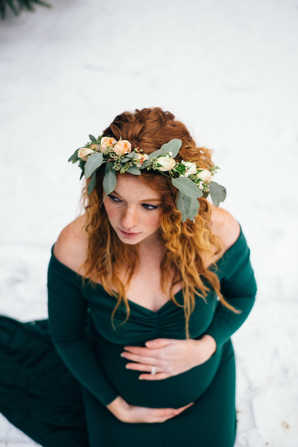 Winter Maternity Shoot-79.jpg