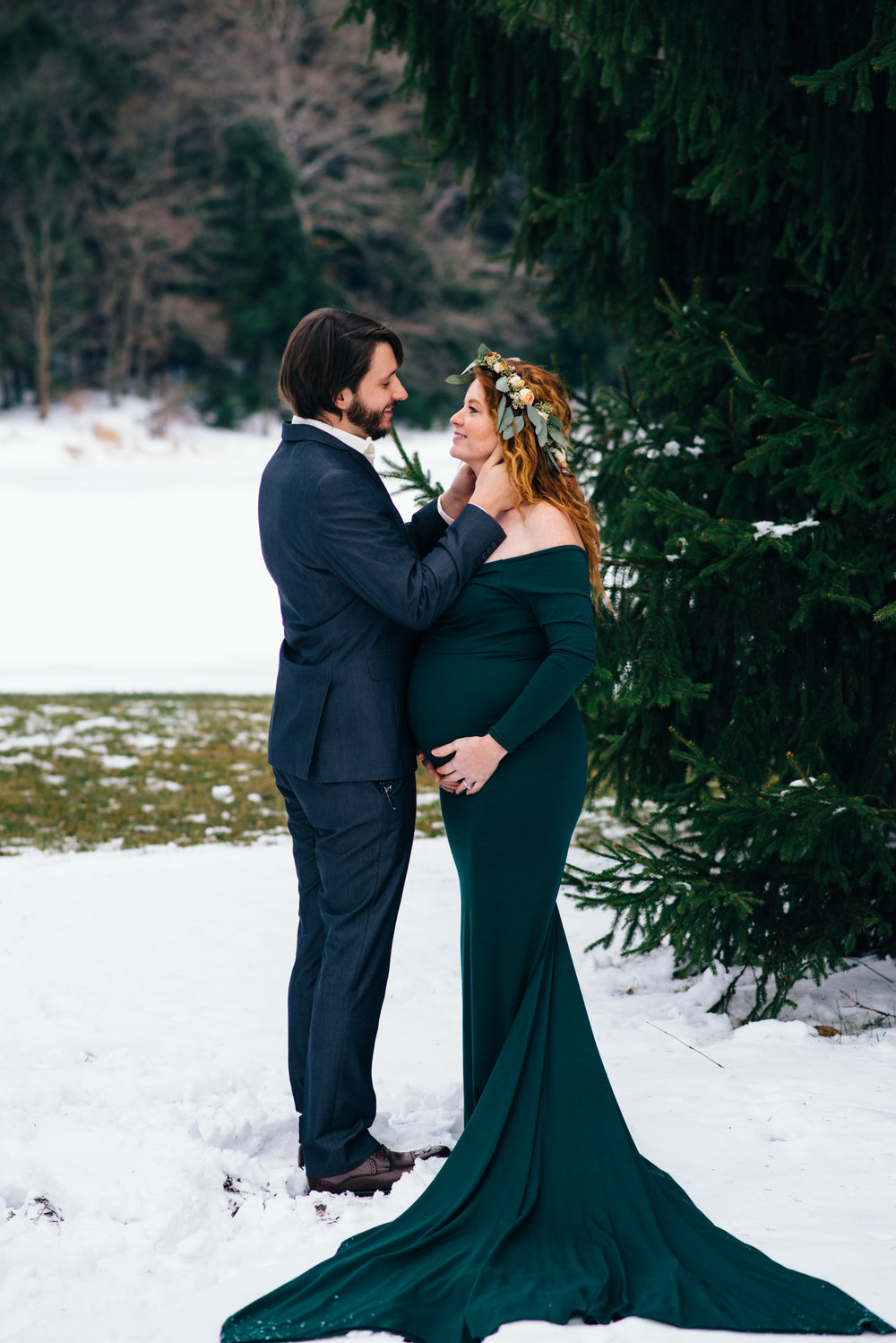 Winter Maternity Shoot-41.jpg