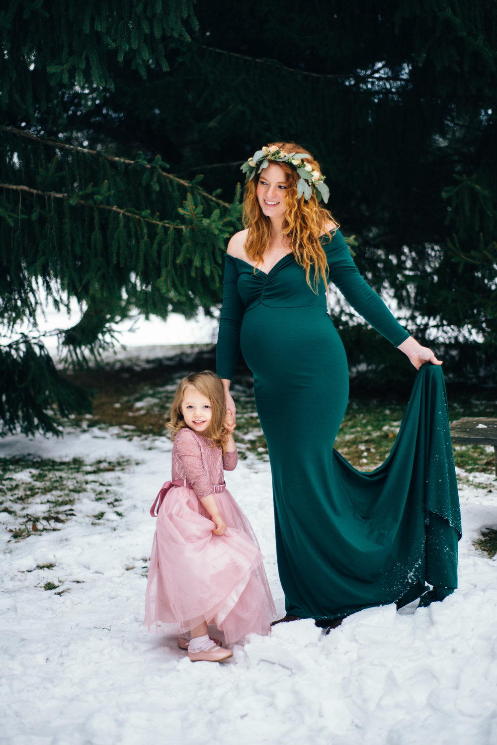 Winter Maternity Shoot-65.jpg
