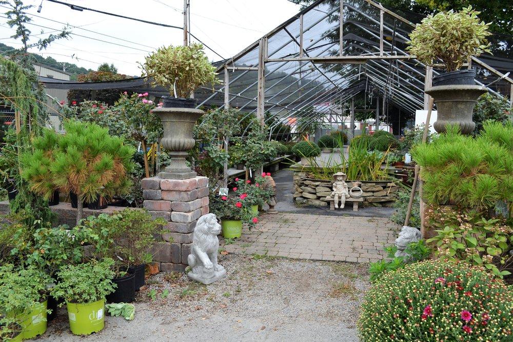 Frantangelo Gardens - 501 4th Ave,(412) 269-1996
