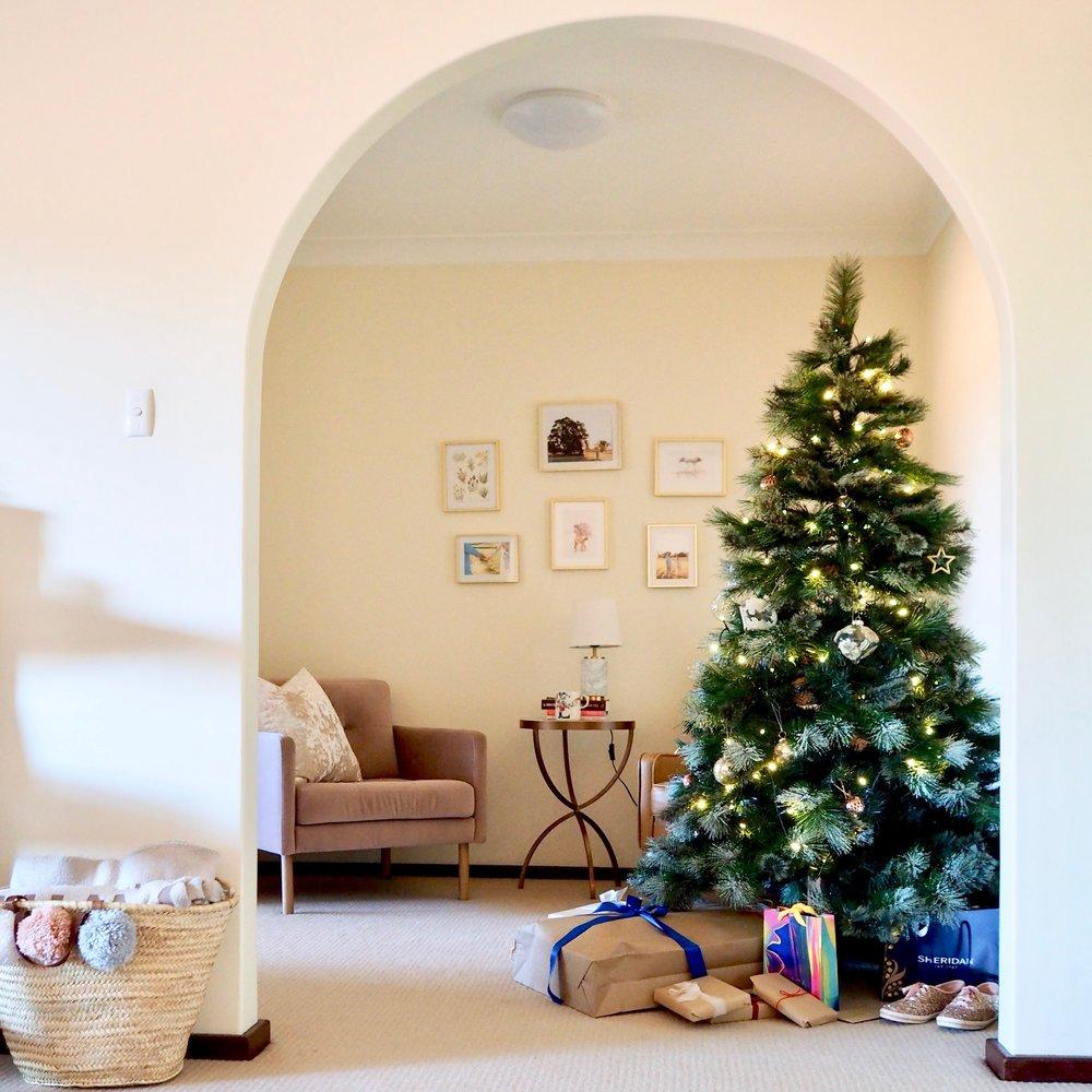Christmas Apartment DecorP1011336.jpeg