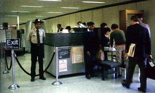 airport-security-chkpt.jpg