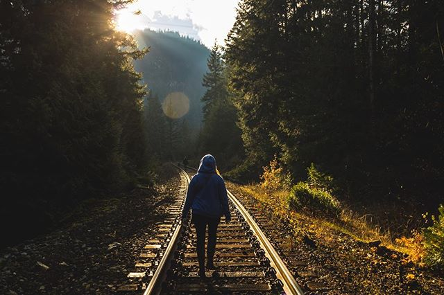 @christardi walking toward #nairnfalls #hike #nature #traintrack #sunflares #canadianrockies