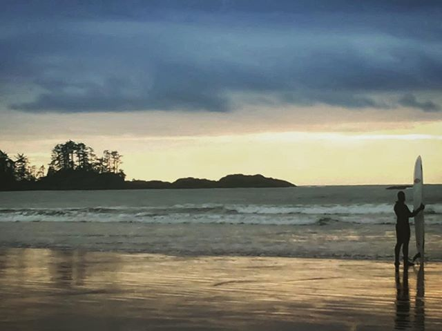 So pitted. Chesterbeach, Tofino. #travel #travelphotography #adventureculture #adventurethatislife #adventure #dreambig #bigwaves #surfing #surf #nature #britishcolumbia #life #lifeofadventure #lifestyle #photography #photooftheday #journey