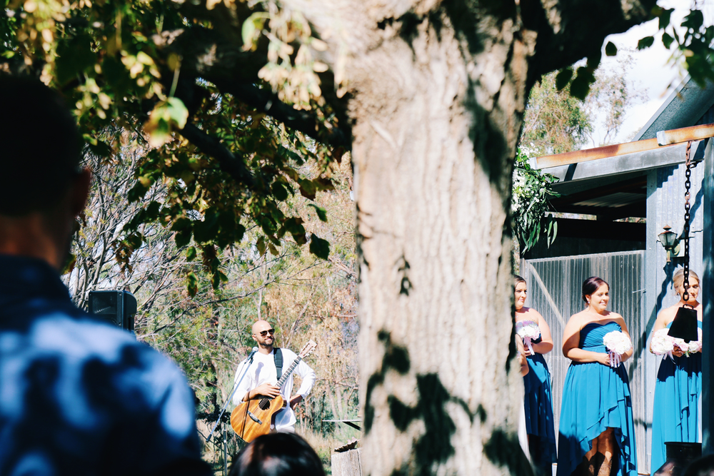 wedding-singer-sydney-based-mark-travel-acoustic.png
