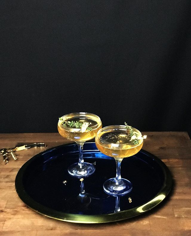 Cheers to 2018! . . . A little simple bubbly recipe for your New Year celebrations! Thank you for a great year! Best to you and your families 🖤 . . . . Thyme Infused Falernum Ginger Beer Dry Champagne  Garnish: Thyme and 24k gold flake . . . . #cocktailsofinstagram #cocktailgram #newyear #newyearnewme #champagne #bubbles #champagnepapi